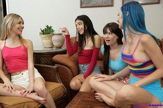 Пацан напился и на домашней вечеринке отымел четырех подруг в узкие писечки